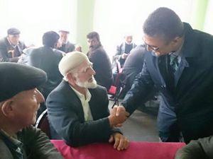 Kamil Aydın, Şenkaya ve Olur'da seçmenlerle buluştu