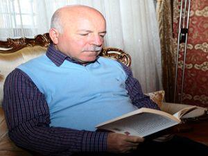 Kitap dostu başkan: Mehmet Sekmen