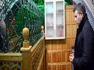 TBB Başkanı Feyzioğlu, Erzurum'da namaz kılıp şehitler için dua etti