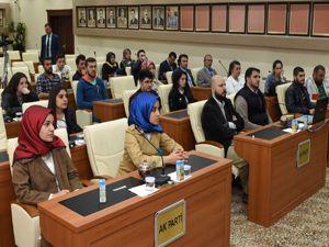 Başkan Sekmen'den yerel yönetim dersi