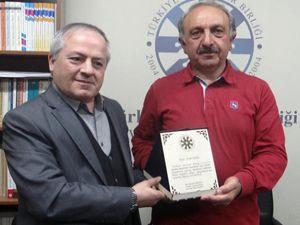 TYB Erzurum Şubesi'nin ilk konuğu Erdal Güzel oldu