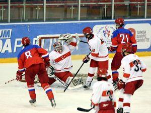 Buz Hokeyinde ilk maç Rusya'nın