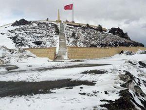 Erzurum'un yüksek kesimlerine Mayıs karı
