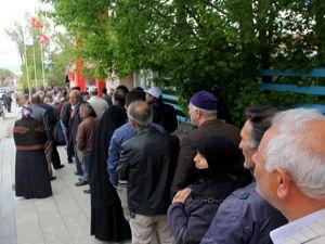 Erzurum'da ucuz et kuyruğu