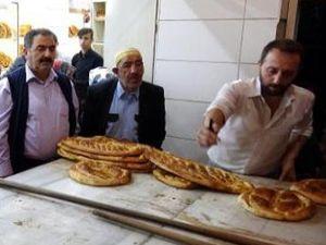 Erzurum'da iftar öncesi uzayan kuyruklar