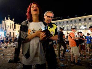 İtalya'da final maçını izlerken izdiham... Yüzlerce yaralı var