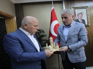 Mehmet Sekmen'den Başkan Memiş'e ziyaret