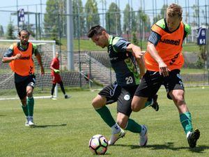 Konyaspor yeni sezon hazırlıklarına Erzurum'da devam ediyor