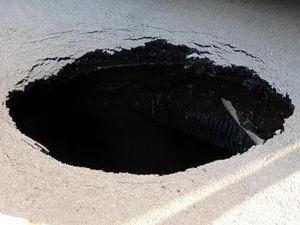 Erzurum'un en işlek caddesinde asfalt çöktü