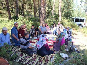 Gür Yaprak köylüleri piknik gününde buluştular