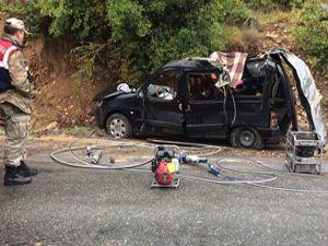 Artvin'de feci kaza: 3 ölü, 1 yaralı