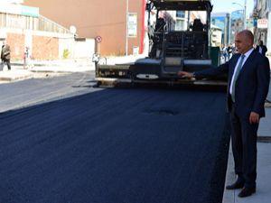 Yakutiye Belediyesi 2017 yazında 250 bin ton asfalt attı