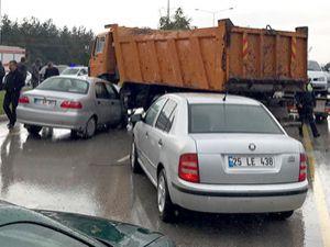 Erzurum'da zincirleme kaza: 5 Yaralı