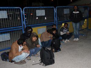Erzurum'da Afganistan uyruklu 12 kaçak göçmen yakalandı