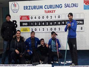 Curling sporuna büyük ilgi