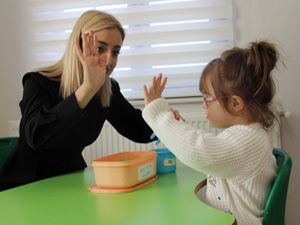 Engelli çocuğa kötü muamele, uzmanlara ders konusu oldu