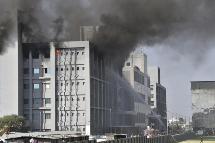 Hindistan'da aşı üretim merkezinde yangın