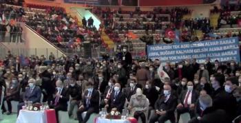 AK Parti'nin kongresinde pankart krizi yaşanmış...