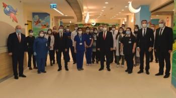 Bakan Koca, Şehir Hastanesi'ni ziyaret etti