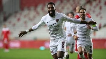 Boupendza'dan Fenerbahçe'ye transfer sinyali