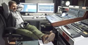 Bu albüm için stüdyoda yattı, kalktı!