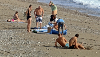 Dünyaca ünlü sahil turistlere kaldı