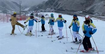 Efsane Kayak Kulübü çocuklar için seferber