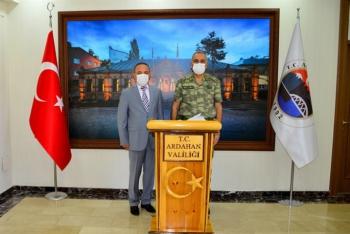 Erhan Uzun Paşa'dan Vali Öner'e ziyaret