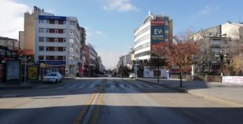 Erzurum caddeleri boş ve sessiz kaldı