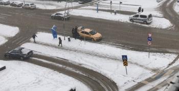 Erzurum'da Mart bitiyor kar bitmiyor