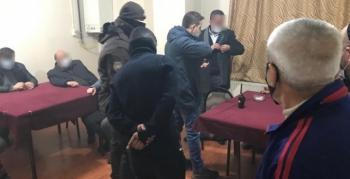 Erzurum'da polisten kahvehane baskını!