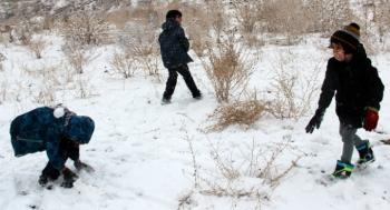 Erzurumlu çocukların kar keyfi