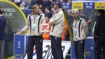 Fenerbahçe'de Christoph Daum sesleri
