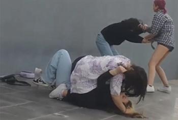 Fenomen olmak için dövmüşler!