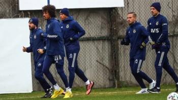 Futbolcularla Luiz Gustavo arasında kavga