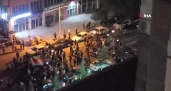 Halk sokaklarda kutlama yaptı