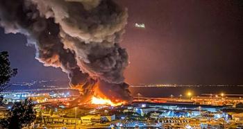 İtalya'da limanda patlama...