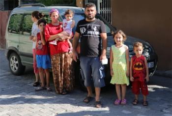 Mahalleyi böcek bastı: Çocukların ağzından çıkıyor