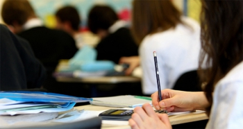 MEB açıkladı! Liselerde yüz yüze sınavlar ertelendi