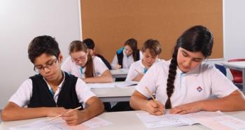 Okulların açılması Kasım'a kadar zor