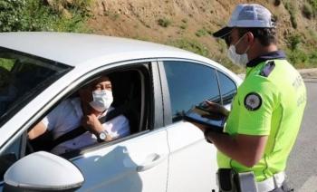 Özel araçlarda maske takma zorunlu mu?