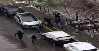 Selçuk Özdağ'a saldırı anı kamerada!