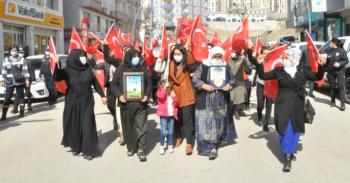 Şırnak'ta kadınlar PKK'ya karşı sokağa indi