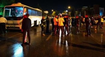 Tur otobüsü 3 aracı biçti: 7 yaralı