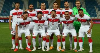 Türkiye-Letonya maçı seyircisiz!